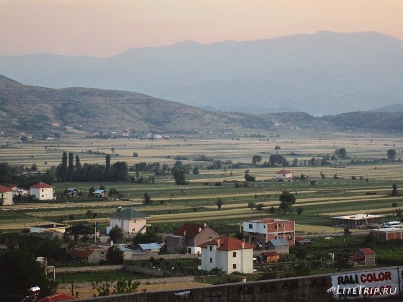 Пейзажи в Албании после границы.