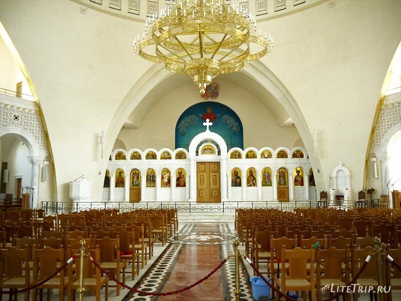 Албания. Столица Тирана - христианская церковь.