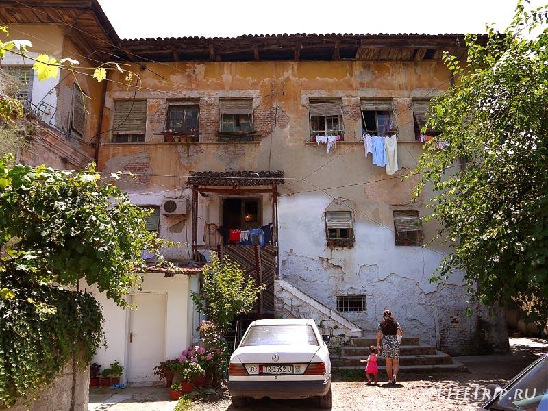 Албания. Столица Тирана - улицы города.