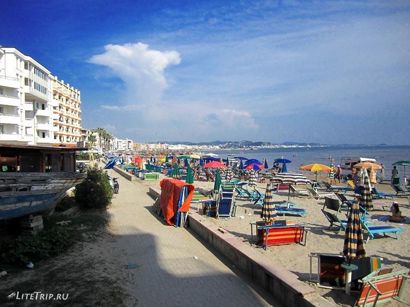 Албания. Пляж в Дурресе.