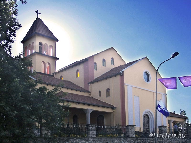Албания. Церковь в Шкодере - место ночлега.