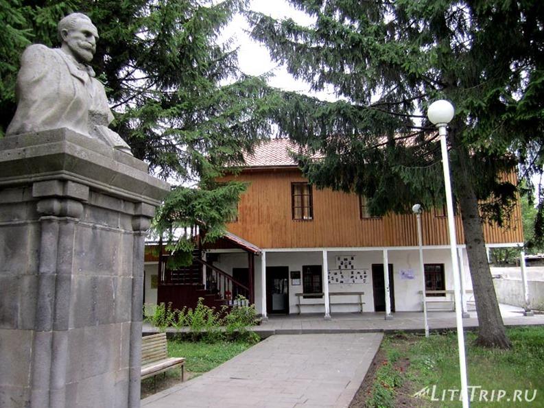 Армения. Окрестности Алаверди - сельский музей.