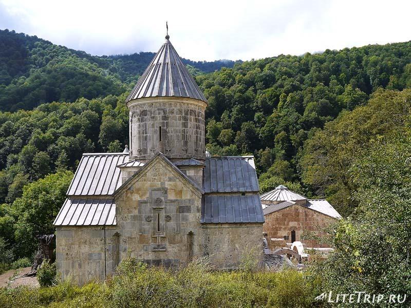 Армения. Дилижан - монастырь Агарсин.