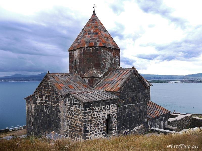 Армения. Монастырь Севанаванк.