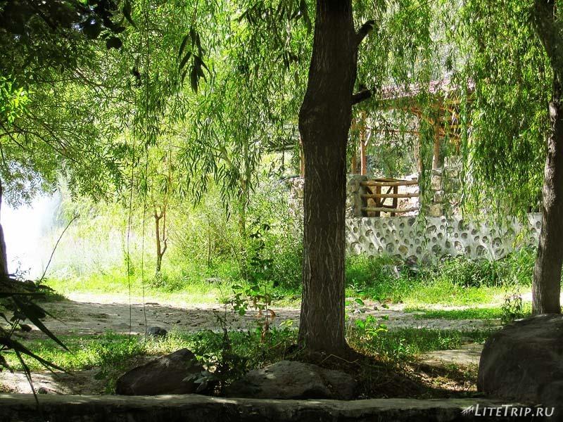 Армения. Город Аштарак - парк.