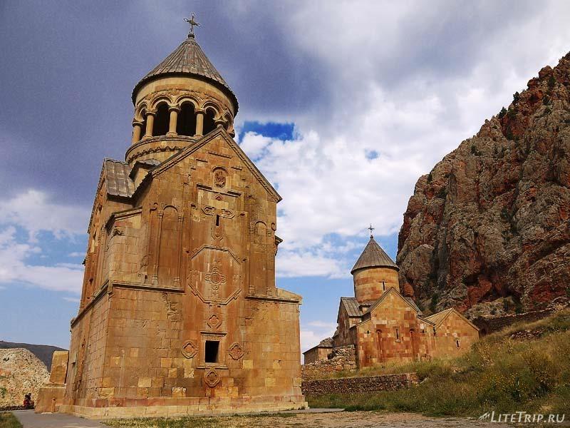 Армения. Нораванк - дальняя церковь Сурб Карапет.