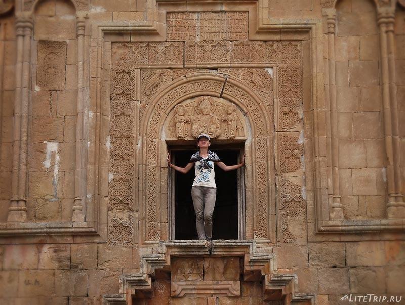 Армения. Нораванк - церковь Сурб Аствацацин.