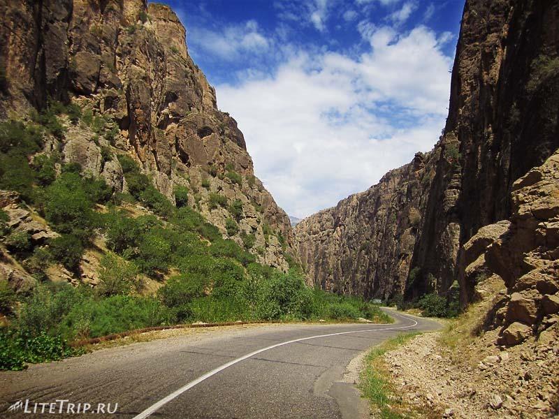 Армения. Дорога ущелья Нораванк.
