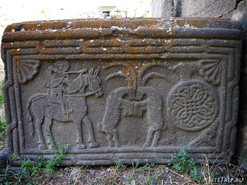Армения. Гндеваз - территория монастыря Гндеванк, плита.