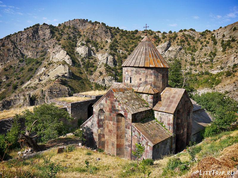 Монастырь Гндеванк в Армении