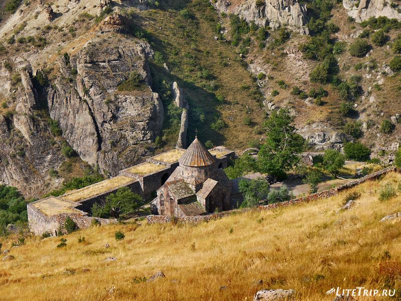 Армения. Гндеваз - монастырь Гндеванк.
