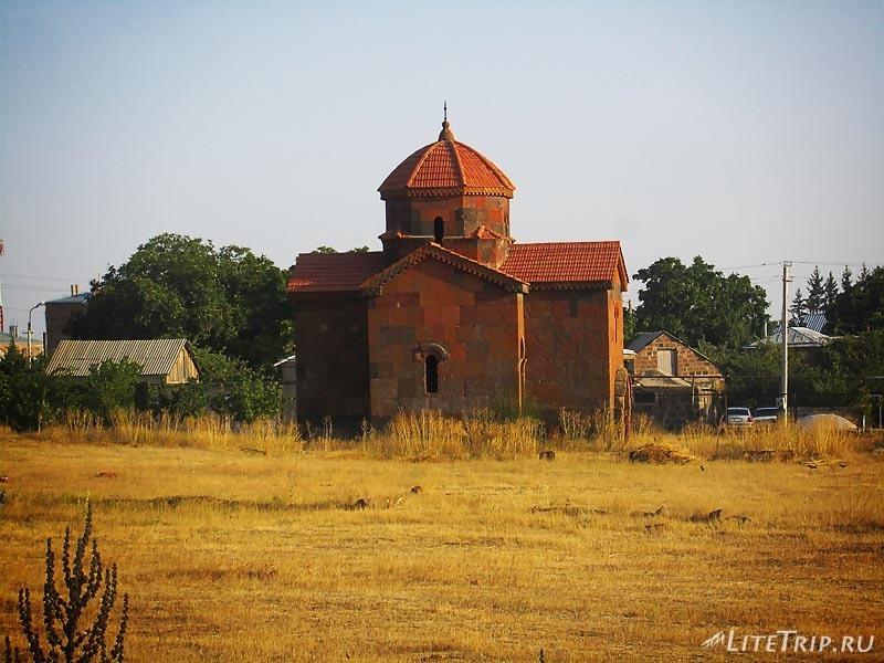 Армения. Большой талинский храм - часовня.