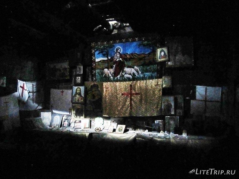 Армения. Талин - церковная коллекция в развалинах.