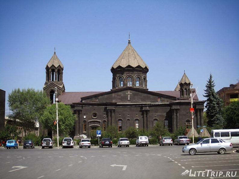 Армения. Гюмри - церковь Святой Богородицы.