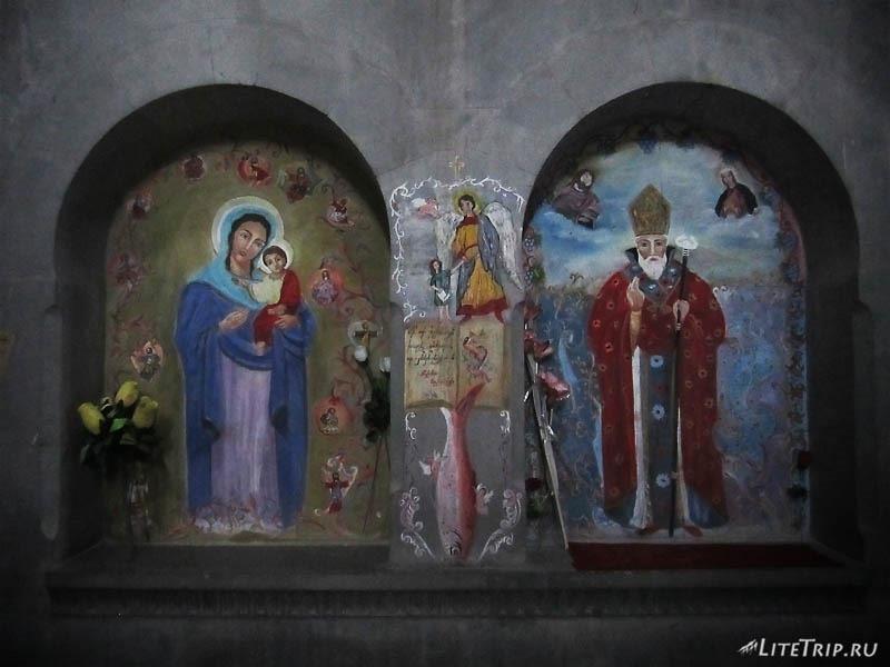 Армения. Нагорный Карабах - церковь Saint Hambardzum внутри.