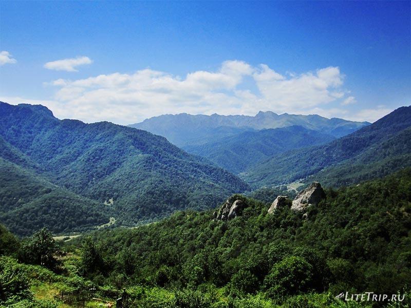 Нагорный Карабах. Зеленый горы.