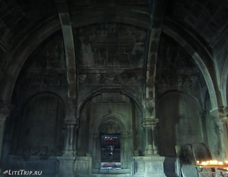 Нагорный Карабах. Храм Гандзасар - холл.