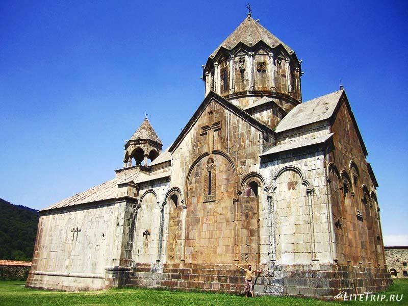 Нагорный Карабах. Внешний вид храма Гандзасар.