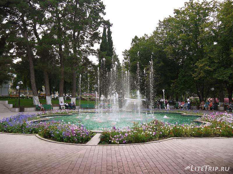 Нагорный Карабах. Степанакерт - фонтан в центре.