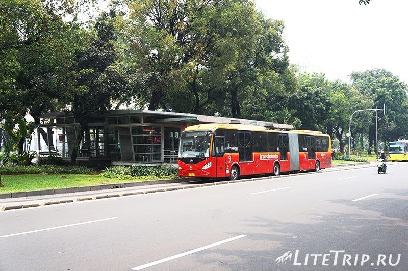 Индонезия. Джакарта. Метро Транс-Джакарта.
