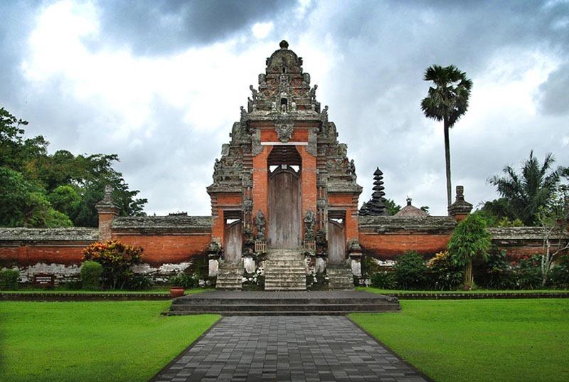 Индонезия. Бали. Храм Таман Аюн.