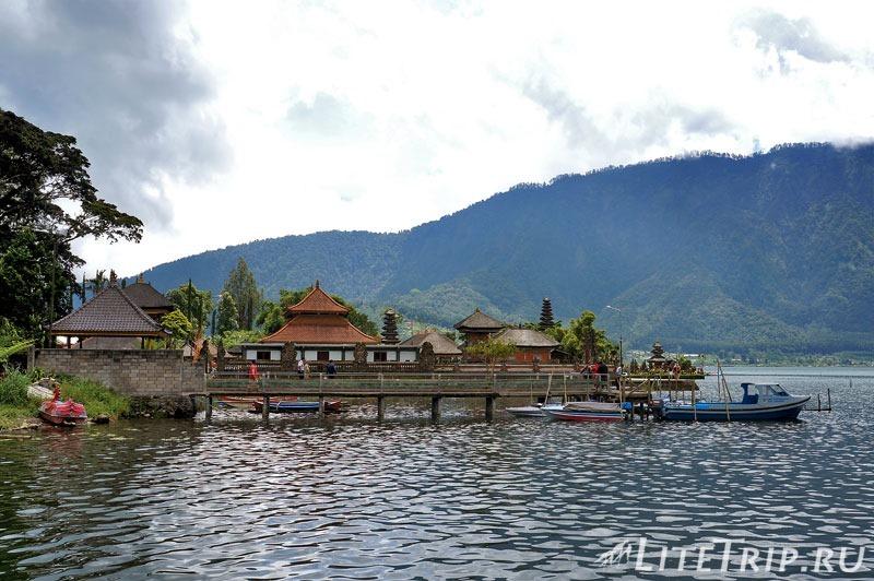 Индонезия. Бали. Храм Улун Дану. Озеро Братан.