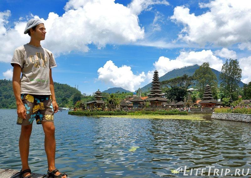 Индонезия. Бали. Храм Улун Дану на озере Братан.