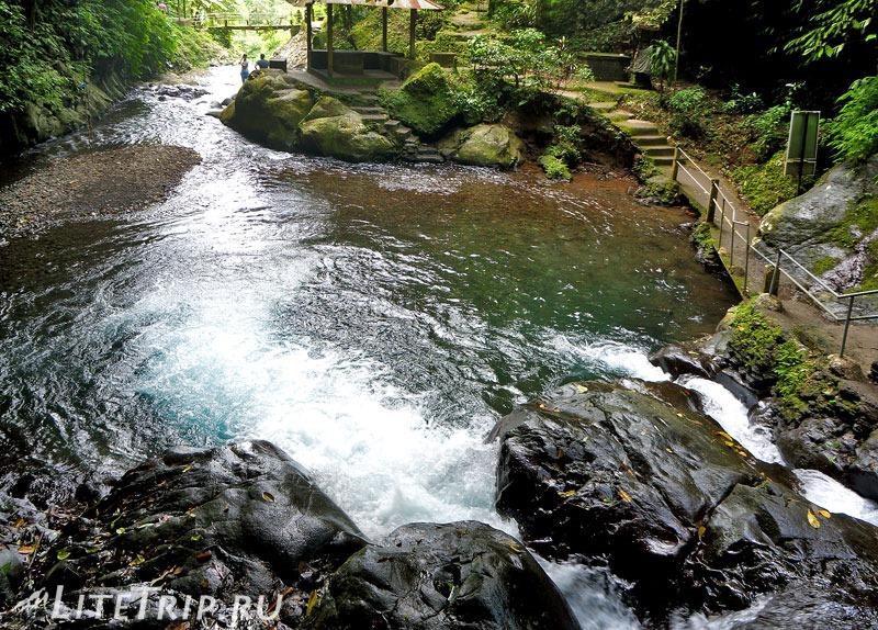 Индонезия. Бали. Водопады Гит-Гит. Озеро для купания
