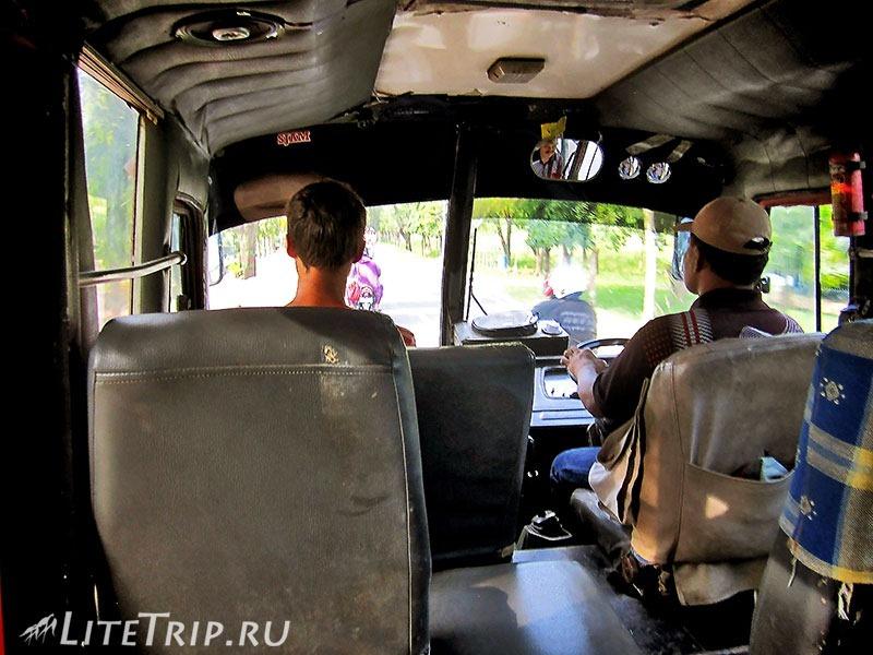 Индонезия. Сулавеси. Национальный парк Бантимурунг - автобус до Энреканга.