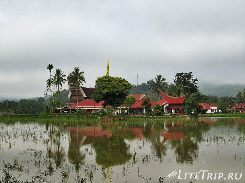 Индонезия. Сулавеси. Тана-Тораджа. Рантепао. Архитектура.