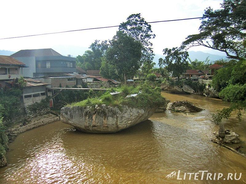 Индонезия. Сулавеси. Тана-Тораджа. Рантепао. Река.