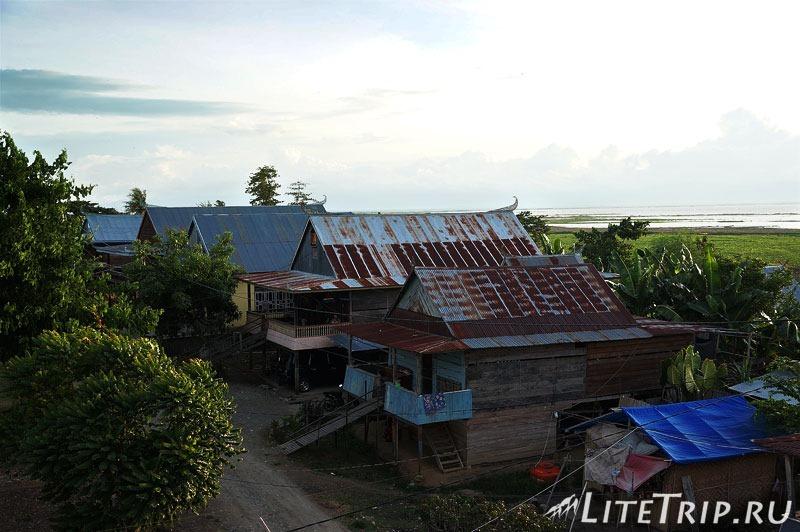 Индонезия. Сулавеси. Сенгкан. Дома.
