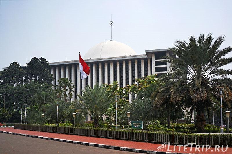 Индонезия. Джакарта. Мечеть Истикляль.