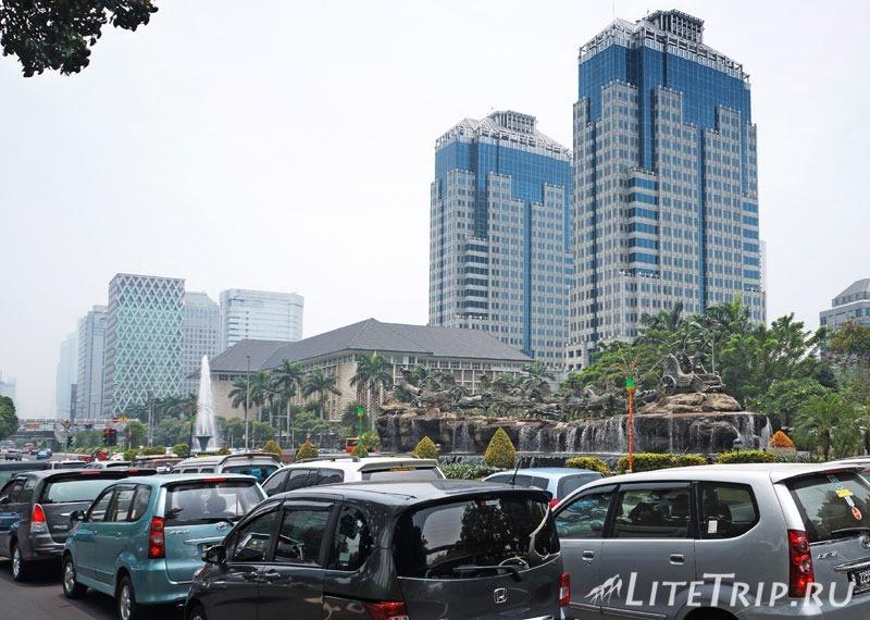 Индонезия. Джакарта. Въезд в город.