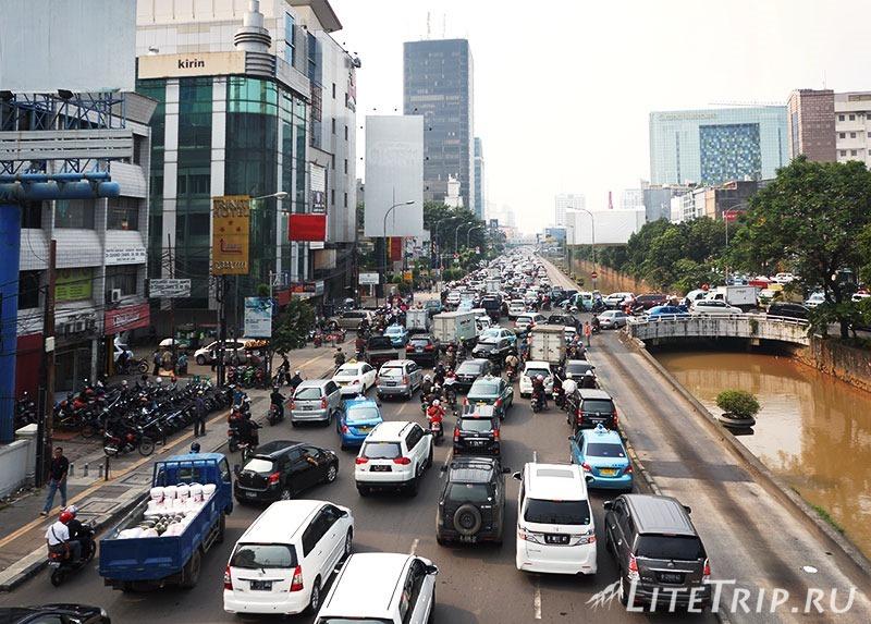 Индонезия. Джакарта. Трафик.
