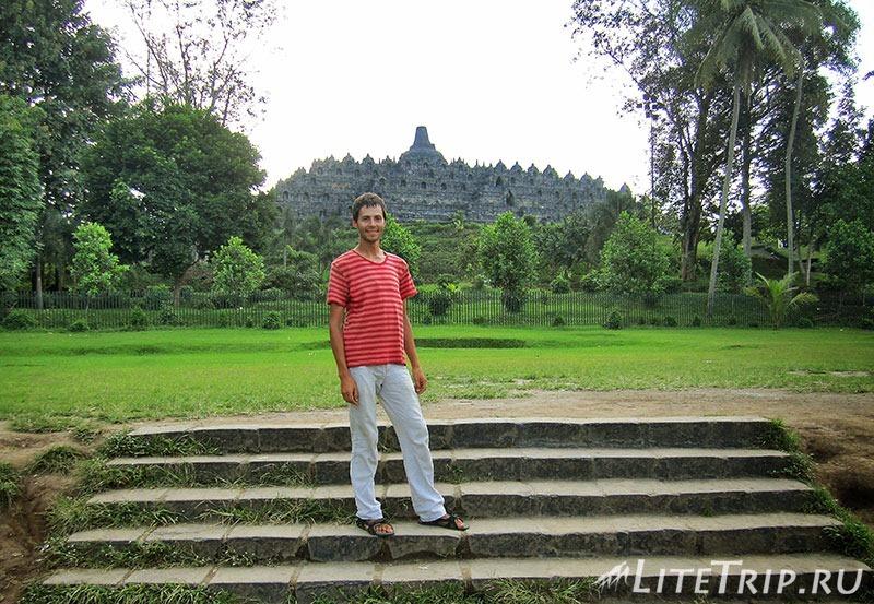 Индонезия. Ява. Боробудур - фото на фоне.