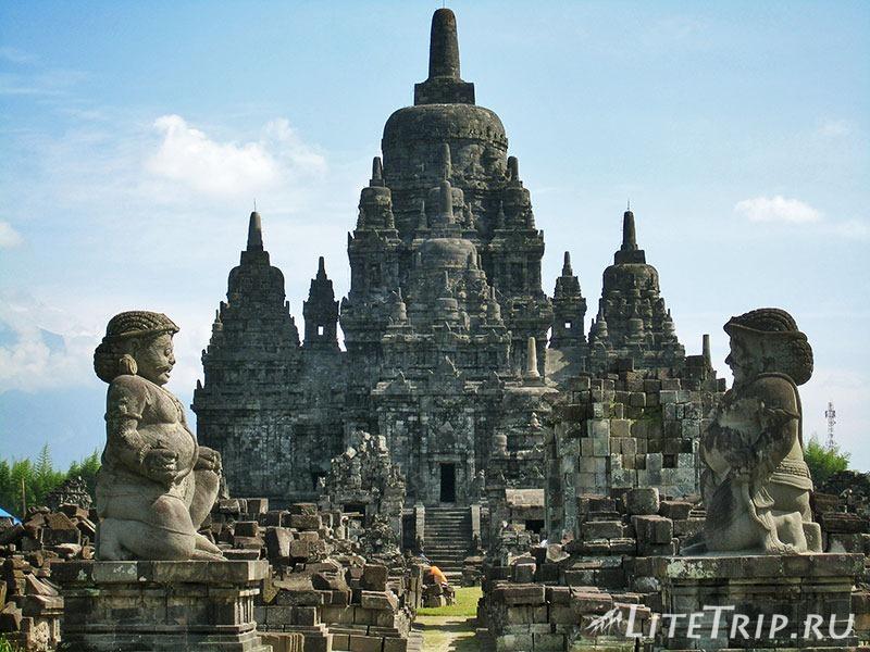 Индонезия. Ява. Прамбанан - статуи