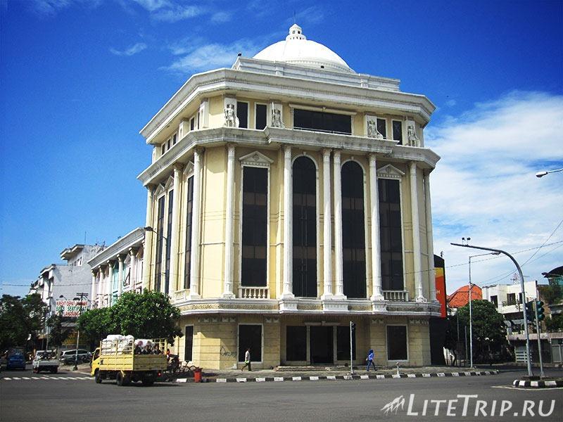 Индонезия. Ява. Сурабая. Город.