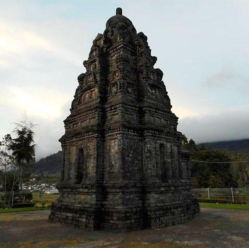Индонезия. Ява. Плато Диенг. Храм Bimah