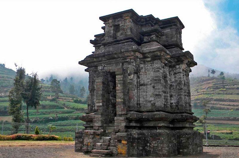 Индонезия. Ява. Плато Диенг. Храм Dwarawati
