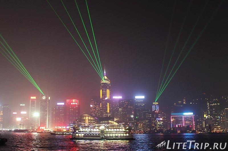 """Гонконг. Лезерное шоу """"Симфония огней""""."""