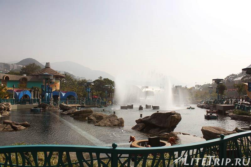 Гонконг. Оушн парк - фонтаны.