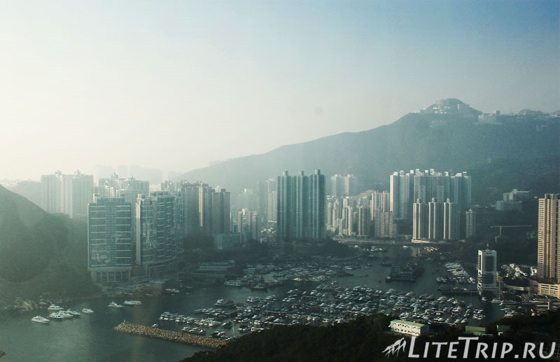 Гонконг. Ocean Park. Вид на город.