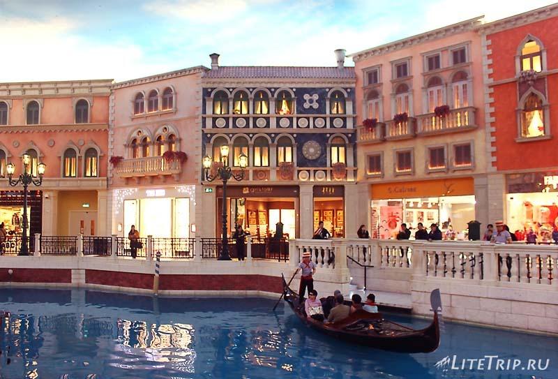 Макао. Казино Venetian внутри.