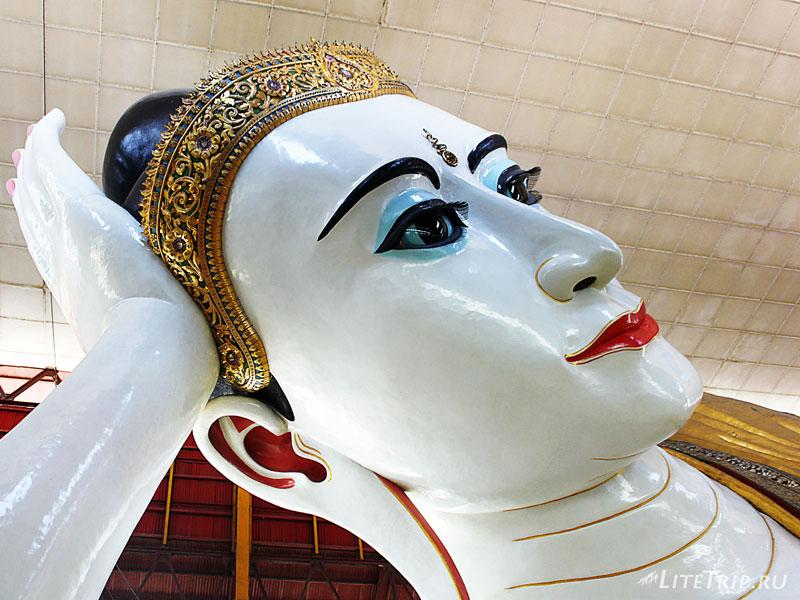 Глаза Лежащего Будды в Янгоне