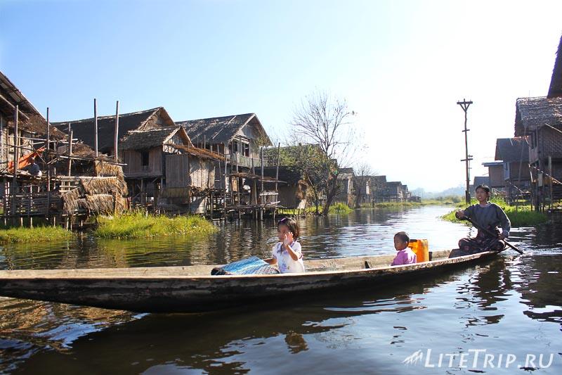 Озеро Инле. Местные лодки.