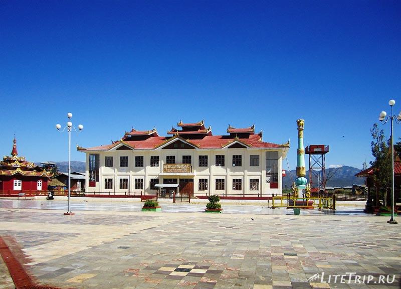 Озеро Инле. Храм Пяти Будд.