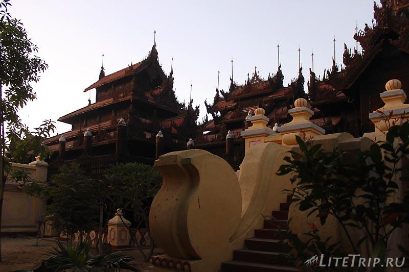 Мандалай. Монастырь Шве Ин Бин.