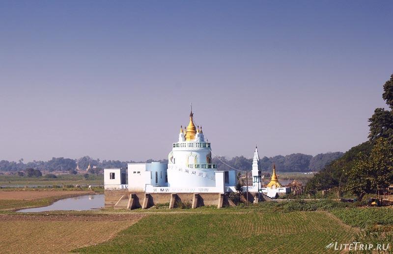 Амарапура. Монастырь.