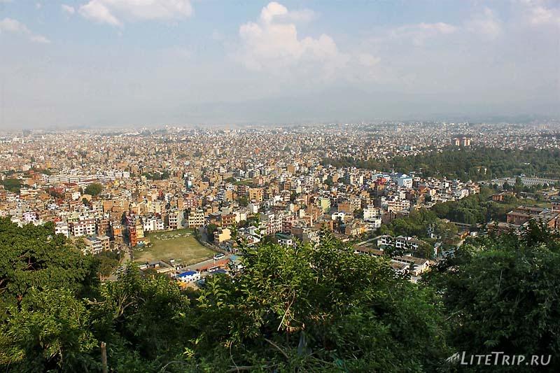 Ступа Сваямбунатх (Обезьяний храм) в Катманду. Вид сверху